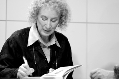 margaret atwood essay collection Atwood's mother, margaret dorothy, was a dietician and nutritionist in nova scotia, and her father, carl edmund atwood, was an entomologist who focused on forests in particular growing up, atwood spent a lot of time in woods of canada, where her mother would teach her and her siblings.